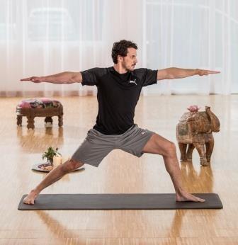 Calyana Professional Yoga